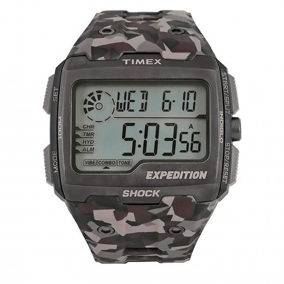Orologio Timex digitale con cinturino militare e cassa quadrata