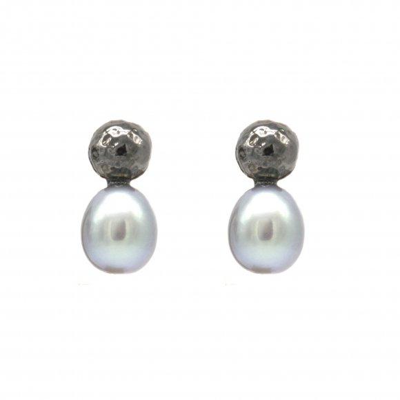 Orecchini Eclat con sfera in argento brunito martellato e perla