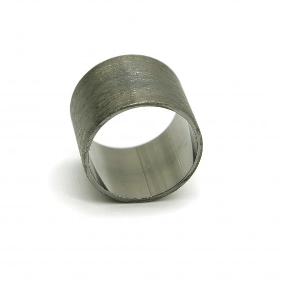 Anello Eclat a fascia alta 15mm in argento brunito